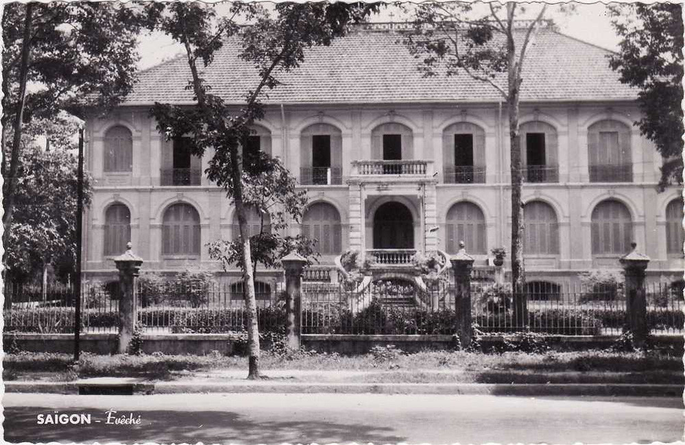 Sai Gon's oldest house is located on the premises of the Bishop's Office. The house has been renovated several times, the last renovation being in 1980, but its original shape and appearance have not changed from two hundred years ago