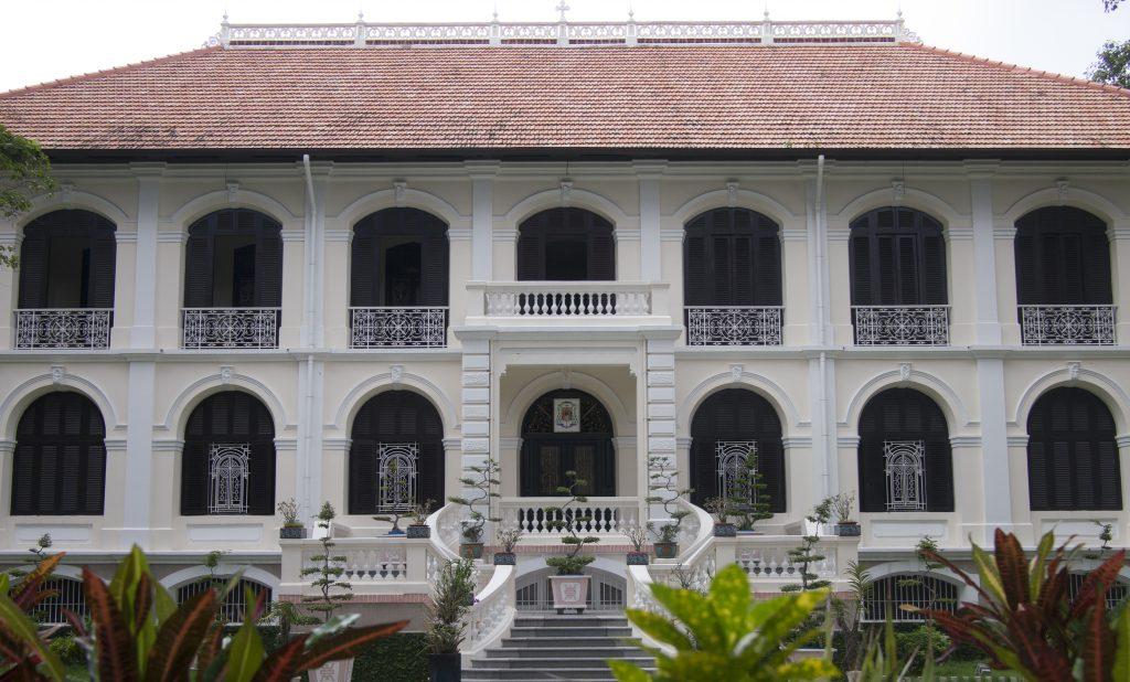 Ngôi nhà cổ nhất Sài Gòn thuộc khu vực văn phòng Giám Mục